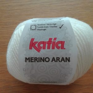 Merino Aran wit